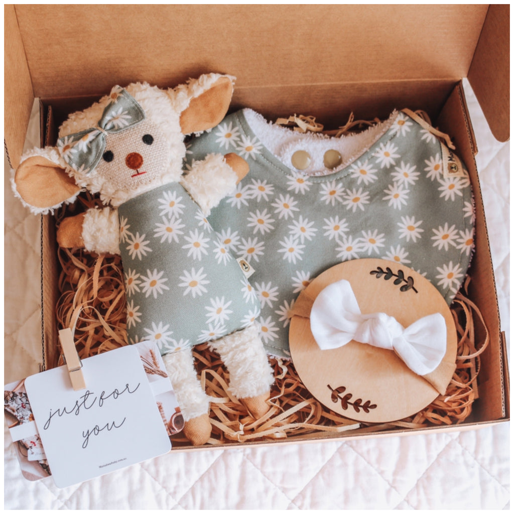 Mini Chenille Lamb Giftbox - Daisy