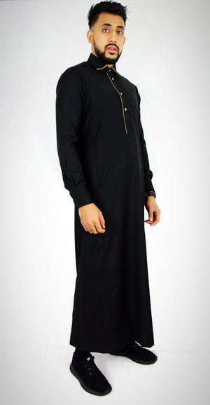 Man wearing Black Thobe