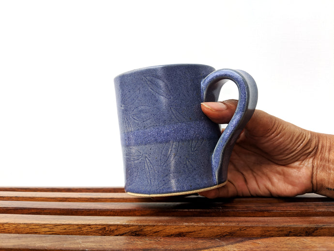 Blue Carved Leaf Overlap Mug