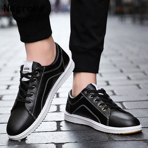 Wholesale Casual Vulcanize Shoes Men Lace Up Sneakers Leather Chaussure Homme Footwear Male Black White Red Zapatos De Hombre