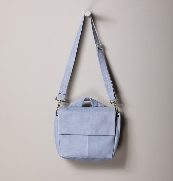 JuneLargeMessengerBag_Blue