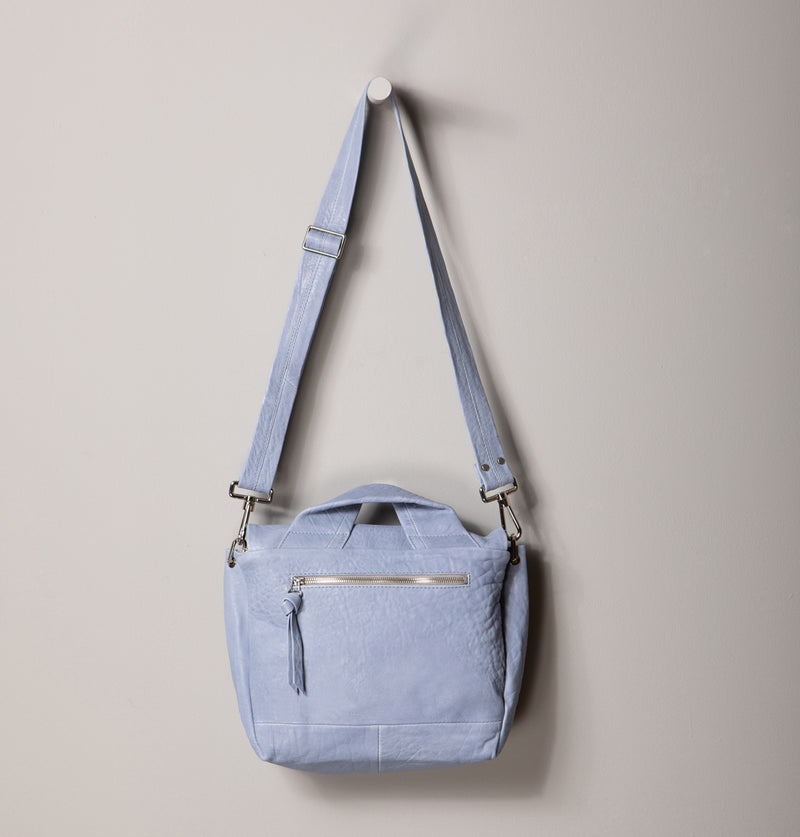 JuneLargeMessengerBag_SkyBlue