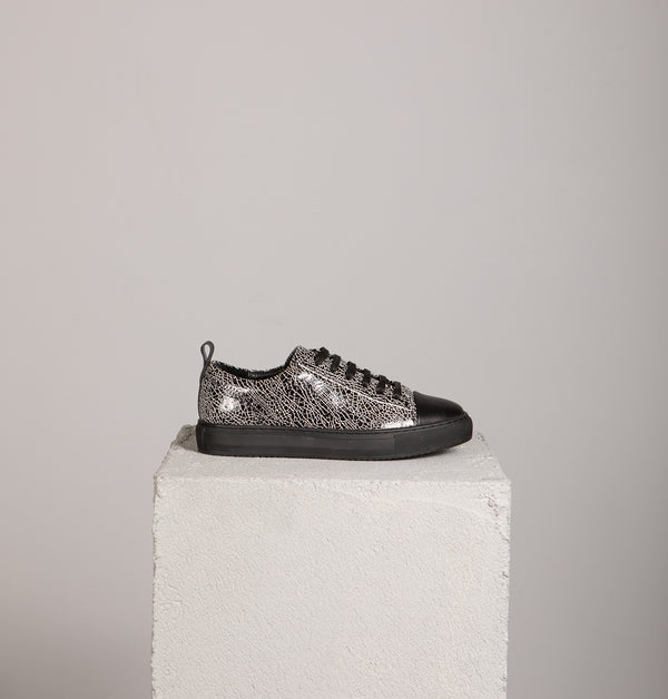 Simon Low Top Sneakers