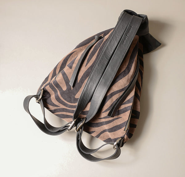 QuebacBackpackBag_brown_zebra