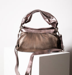 Oasis Medium Crossbody Bag (4333881327652)