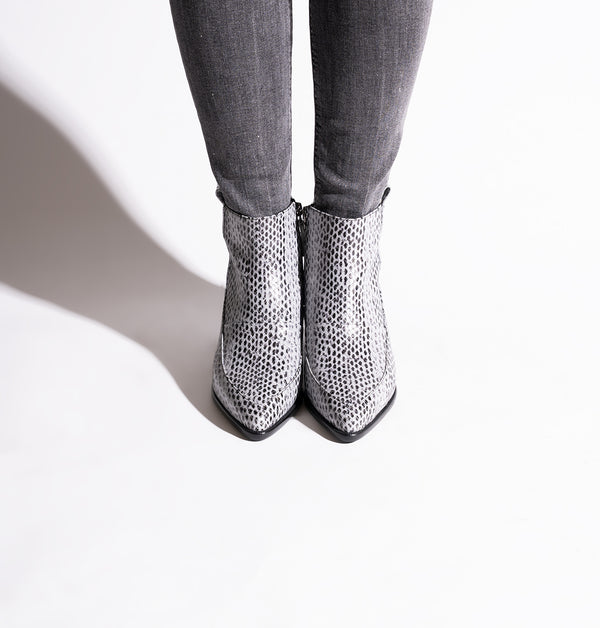 TexasBoots_Gray