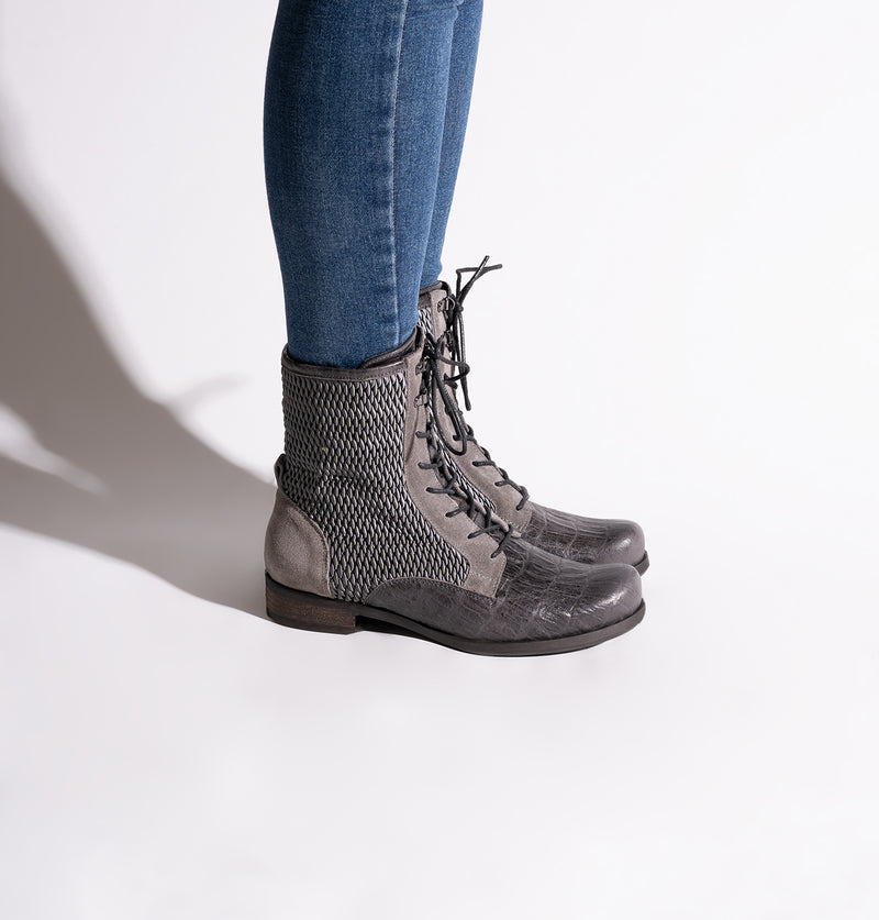 HoustonLaceBoots_Gray