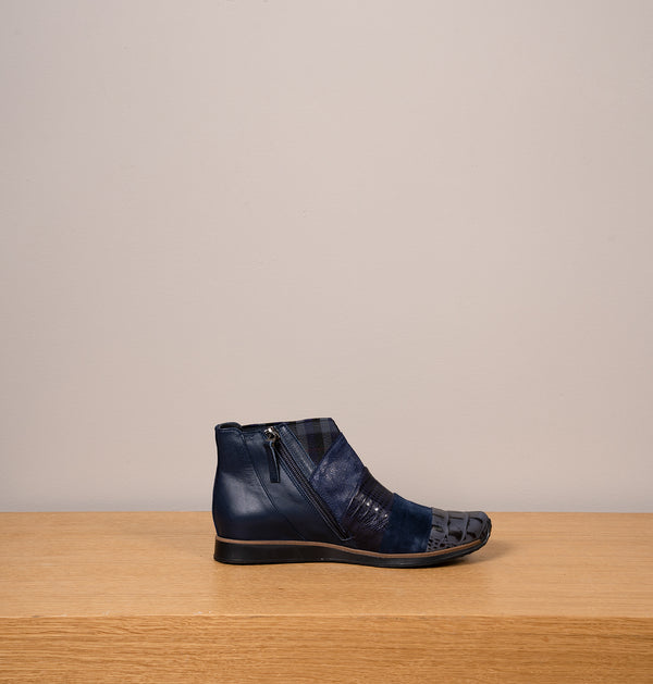 RioAnkleBoots_Blue