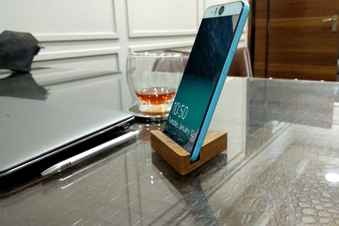 VAH Triangle Mobile Stand (Wooden)