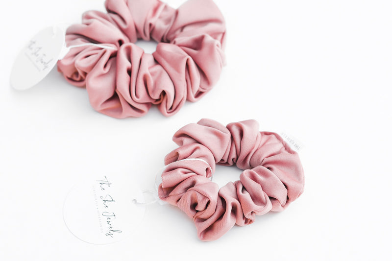 Gwen Mommy and Me Scrunchie Set