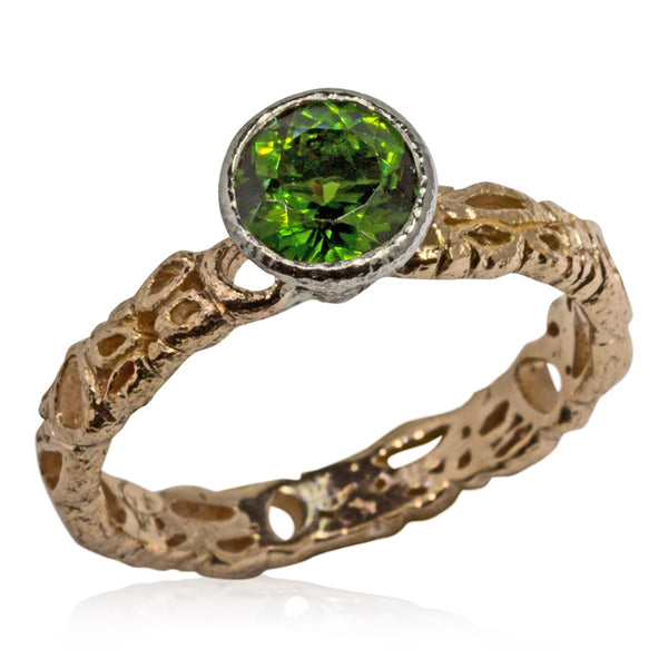 Effervescence narrow band with round green tourmaline