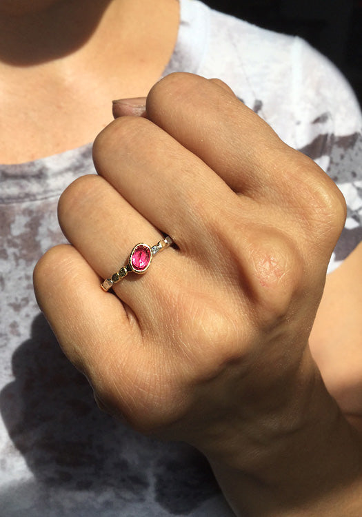 Hand Skinny Pebbles Ring with Diagonal Oval Ruby