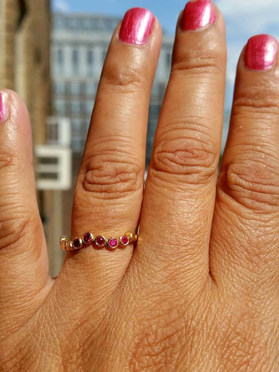 Hand Wavy Pebbles Ring in Yellow Gold with Rubies