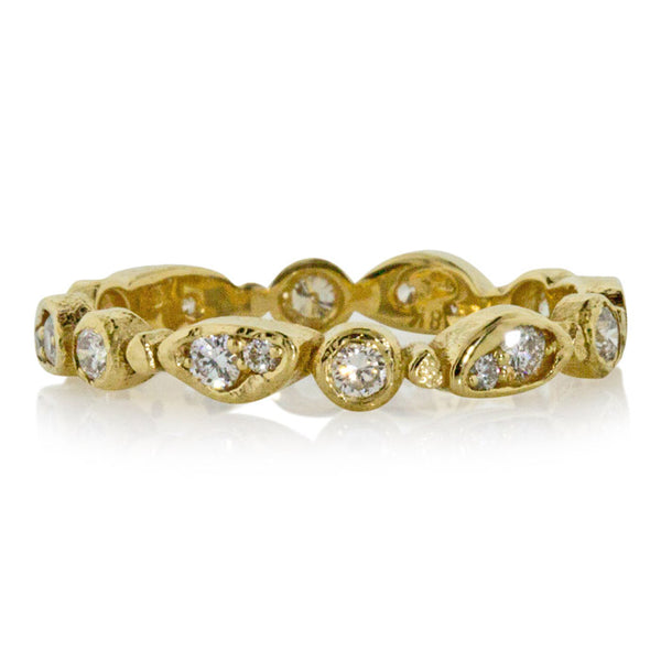 Forever band in 18k yellow gold and white diamonds