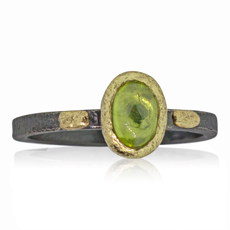 Textured Pebbles Oval Peridot Ring