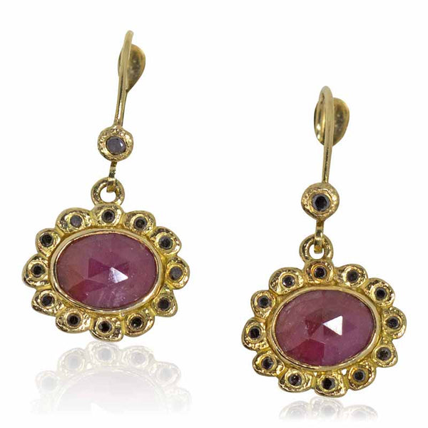 opaque ruby earrings in 18k gold with black diamonds