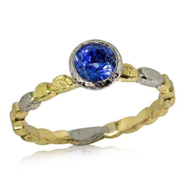 Skinny Pebbles Ring with Round Sapphire