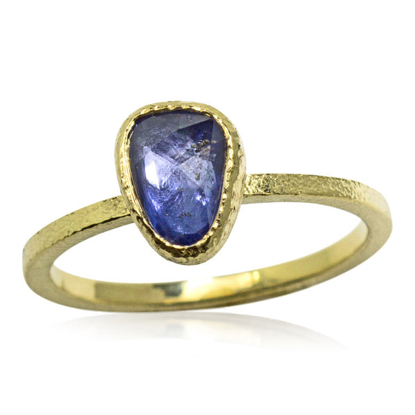 Free form sapphire ring