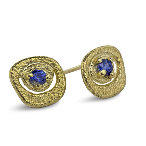 Sapphire Pebble Stud Earrings in 18k yellow gold