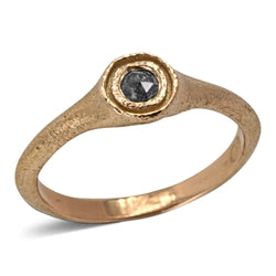 Signet Ring in rose gold with salt and pepper diamond