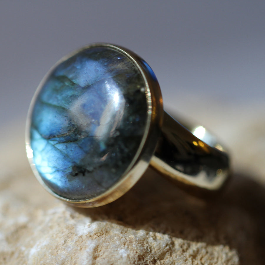 round labradorite adjustable ring w/ zero carat gold alchemia band