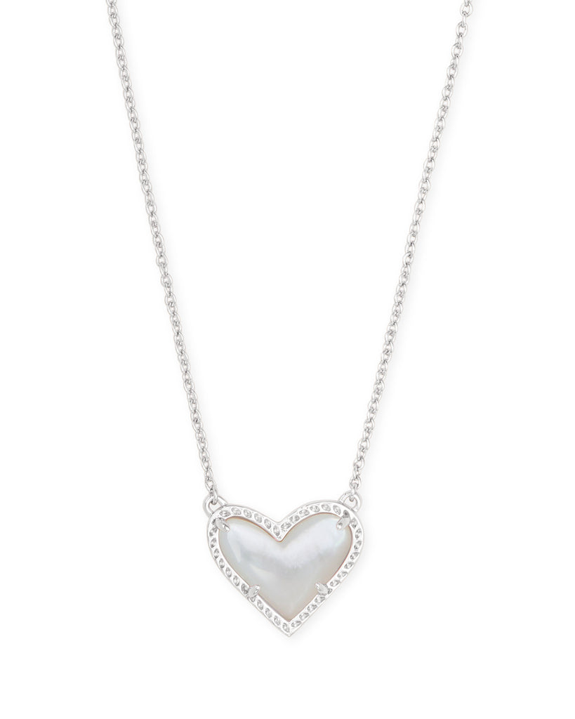 ARI HEART SILVER PENDANT IN IVORY MOTHER OF PEARL