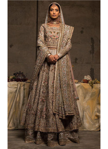 Pakistani Attractive Designer Bridal Gown For Bride