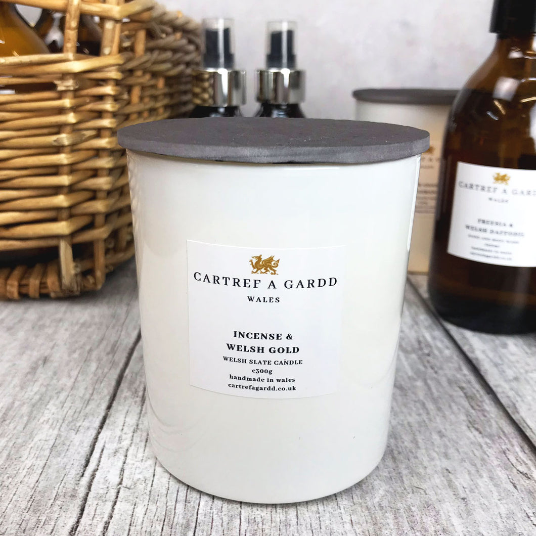 Cartref A Gardd Large Candle - Incense and Welsh Gold