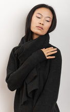 Load image into Gallery viewer, knitwear scarf in organic wool fabric natural dye MAGNOLIA black wood color