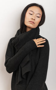 knitwear scarf in organic wool fabric natural dye MAGNOLIA black wood color
