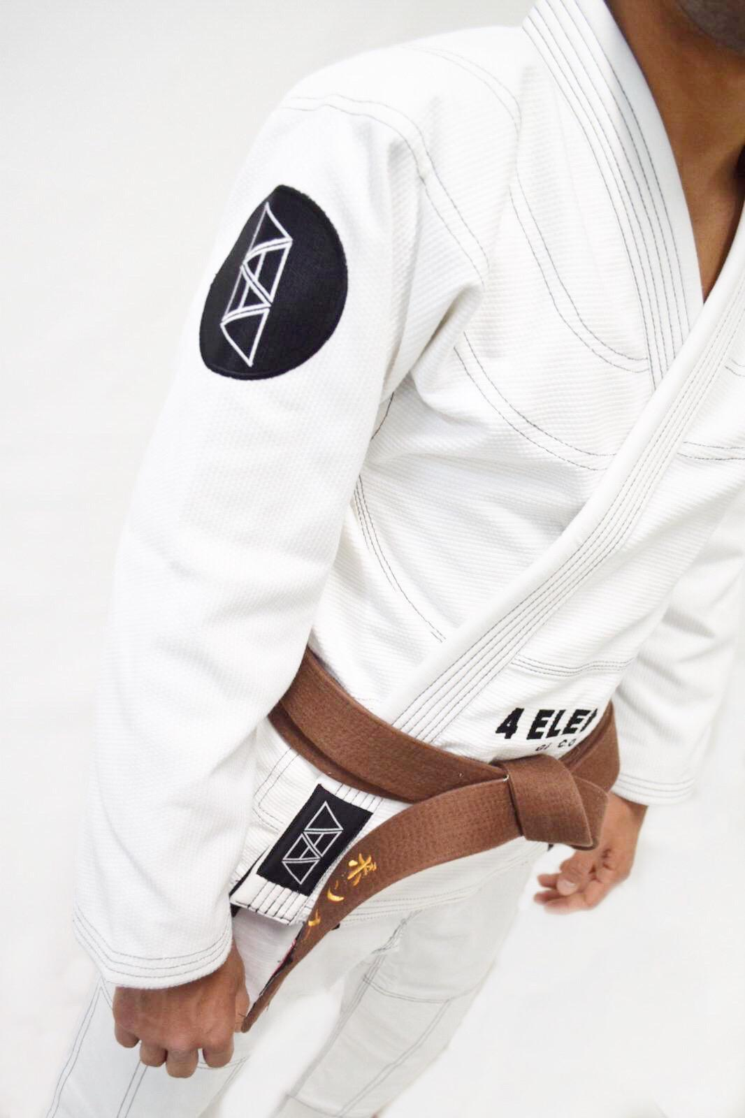 KIMONO INSPIRE- WHITE (CUSTOMIZED 4E INK PATCH ON THE BACK FOR FREE)