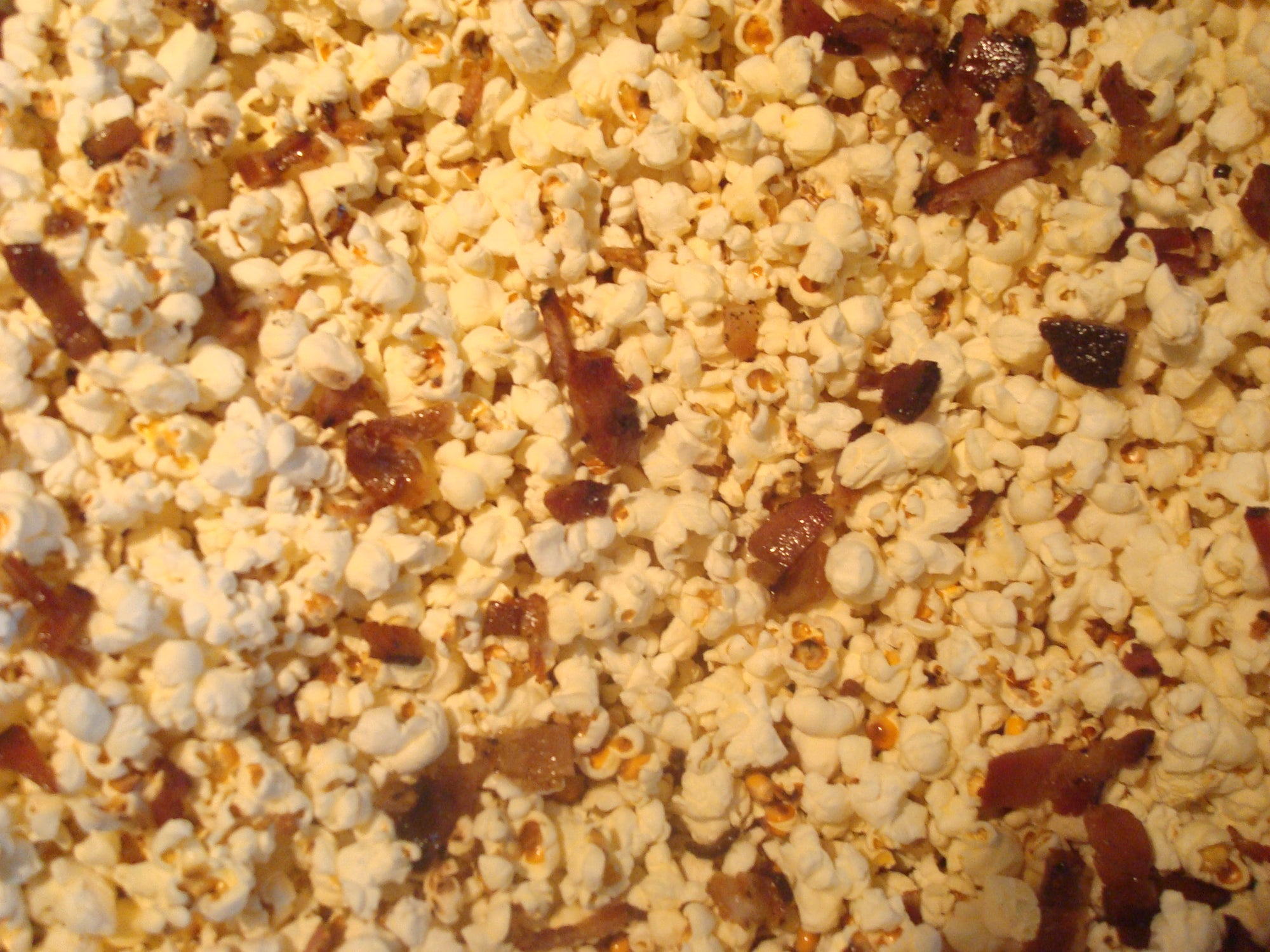 News from the Farm: Snow Pigs and the Best Popcorn EVAHH!!