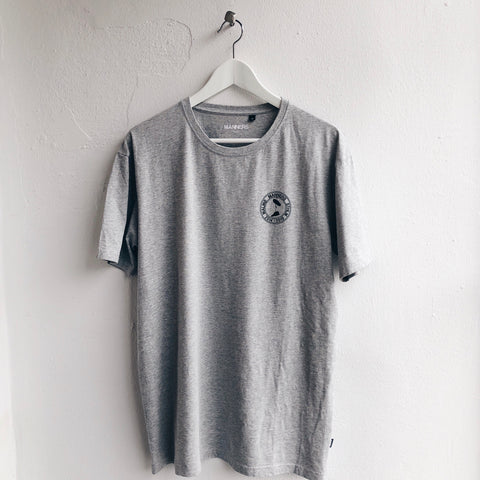 Small MANNERS round logo tee grey