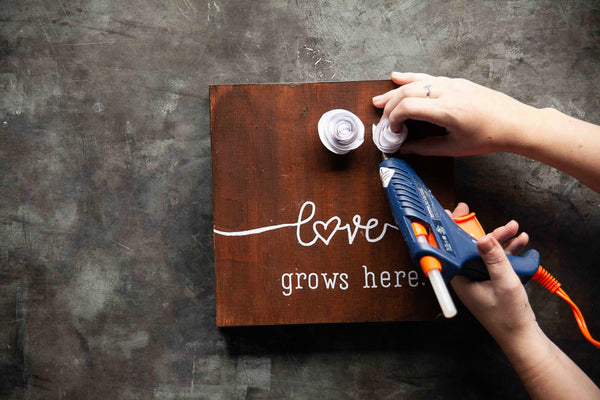 This week on our Maker Monday on Facebook, Amy is showing Makers how to use the new Maker Monday 'Love Grows Here' Kit to create a lovely piece for your home or a loved one's.