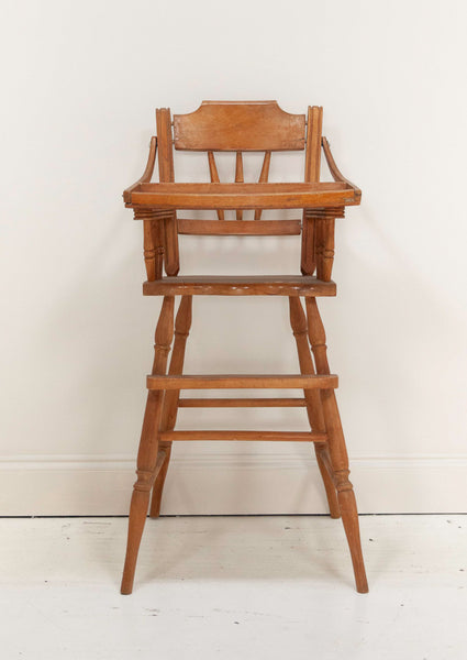 High chairs can be both functional and fashionable. Learn how to give a vintage high chair a modern makeover with this simple DIY tutorial from A Makers' Studio. You can make an old high chair like new with some Rescue Restore Paint and a little TLC.