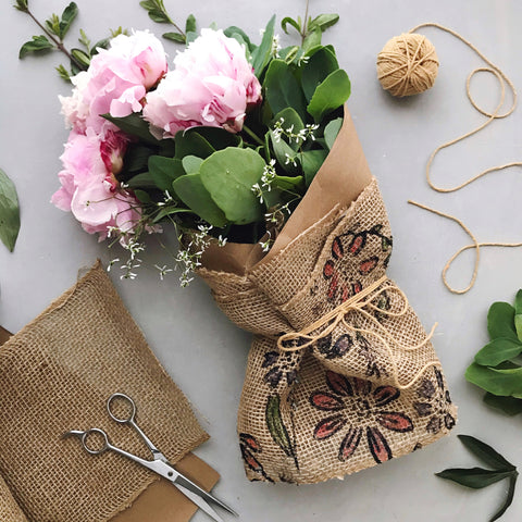 DIY Floral Burlap Bouquet Wrap | A Makers' Studio