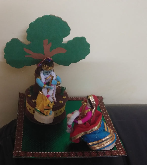 RADHAKRISHNA  DOLL SET