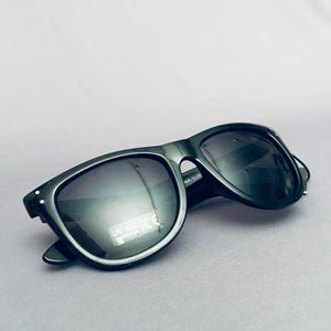 Independent Sun Glasses Manner