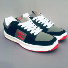 Load image into Gallery viewer, DC Shoes Lynx Zero Black/Red/Grey (Youth)