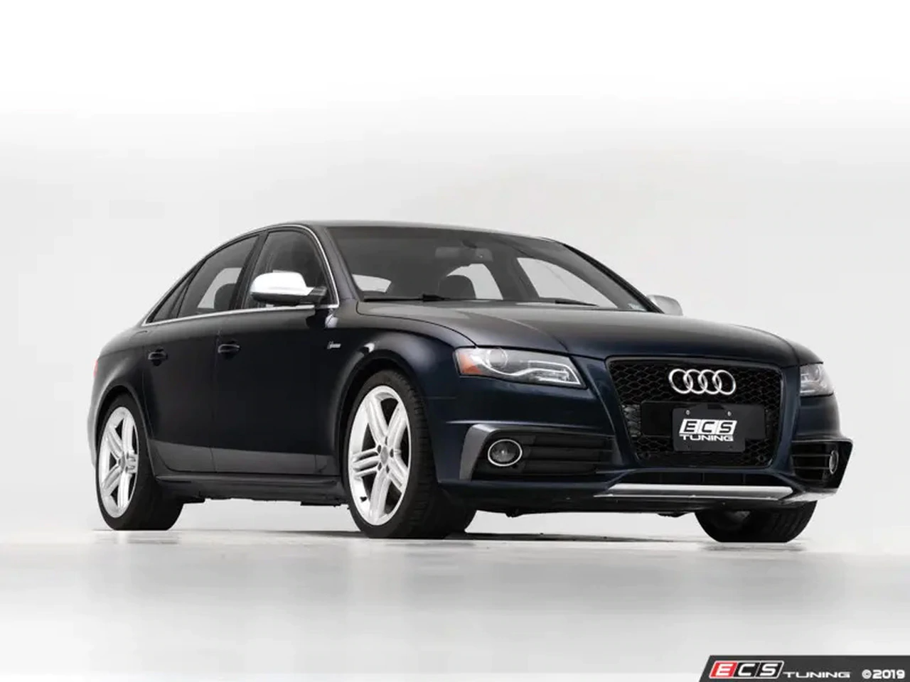 ECS Tuning Gloss Black Grille Accent Kit - A4/S4 B8 Pre Facelift