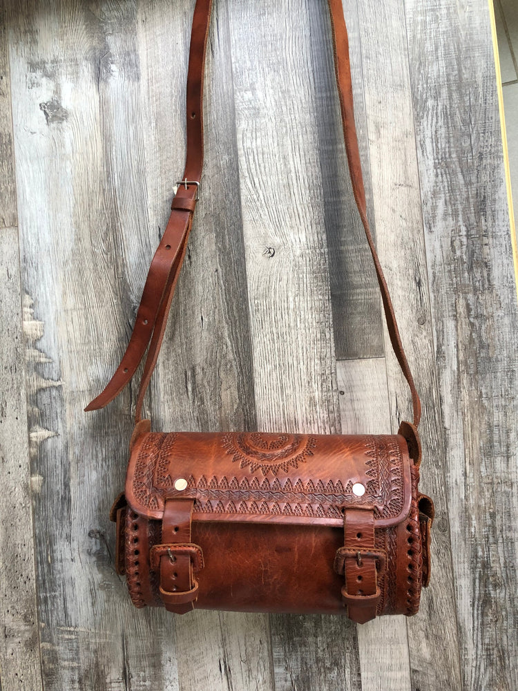 ARI LEATHER BAG