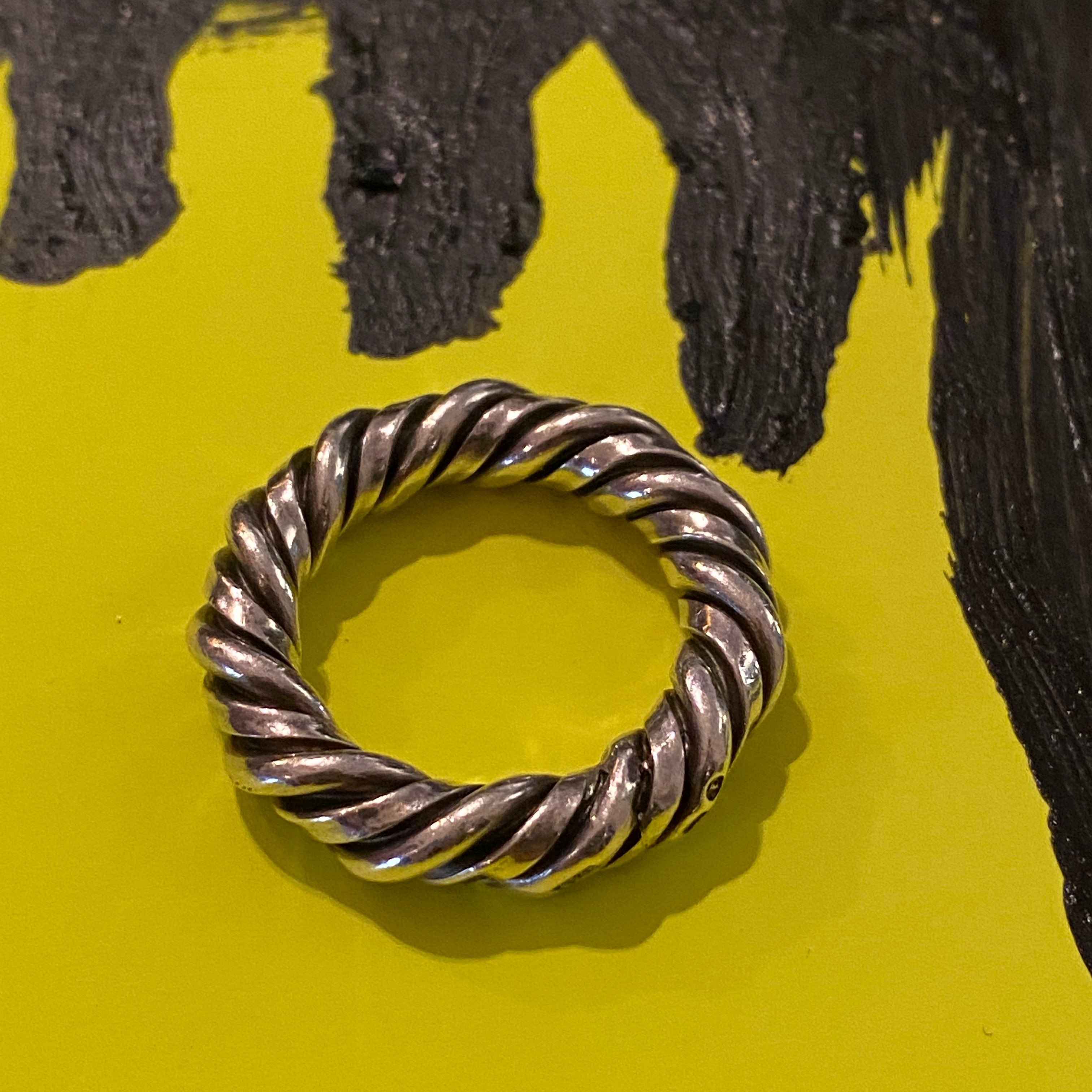 FineSilver collection. Ring Twist & Shout.