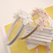 Load image into Gallery viewer, Angel Neitiri Three Lace Flowers Headband - BabyLand.my