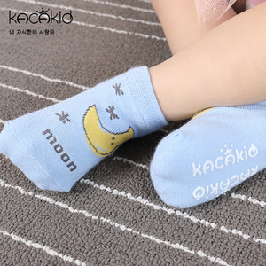 Kacakid Earth's Friends Socks (3 Graphics) - BabyLand.my