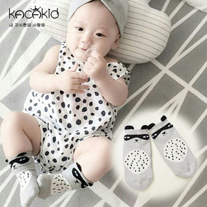Kacakid Innocence Grey Raccoon Short Socks - BabyLand.my
