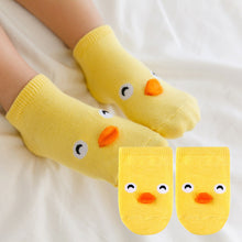 Load image into Gallery viewer, Kacakid Baby Animals Short Socks (Yellow Chick) - BabyLand.my