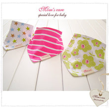 Load image into Gallery viewer, MomsCare Triangular Series Teething Bibs (Big Flowers) - BabyLand.my
