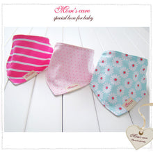 Load image into Gallery viewer, MomsCare Triangular Series Teething Bibs (Bunga Kekwa) - BabyLand.my