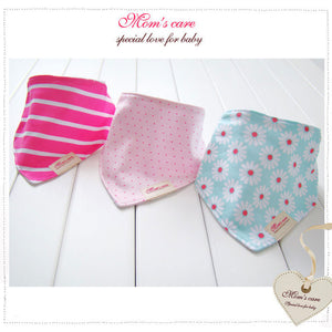 MomsCare Triangular Series Teething Bibs (Bunga Kekwa) - BabyLand.my