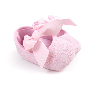 Bowties VS Flower Lace Pre-Walker Shoe (Pink) - BabyLand.my